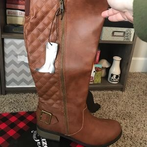 Arizona cognac wide calf size 10 boots